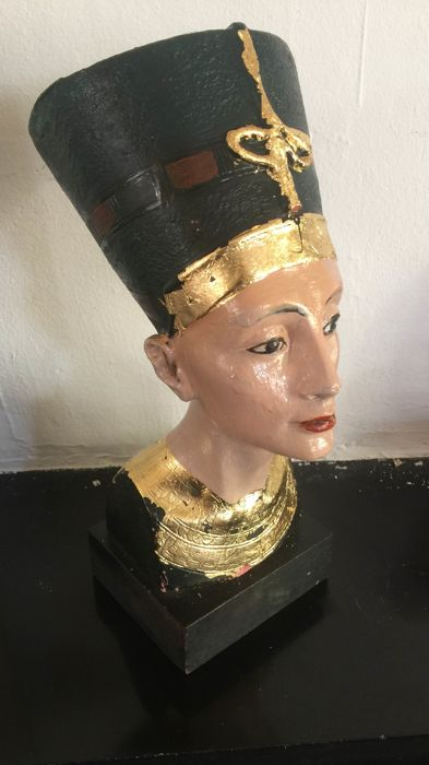 Painted terracotta sculpture Nefertiti