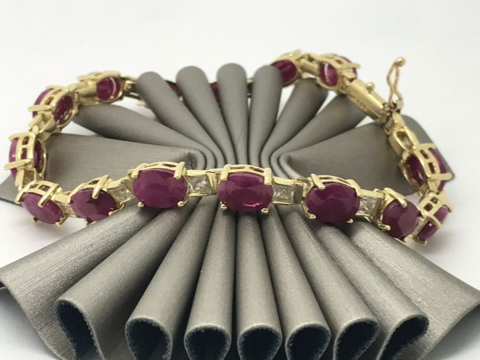 Ruby bracelet with zircon accents 14 kt / 585 yellow gold approx. 19.5 cm link bracelet