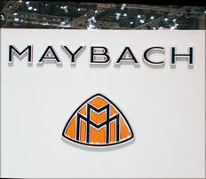 Maybach presskits from Tokyo 1997, Geneva 2002 and Frankfurt 2003. A goldmine of information and beatiful, big, glossy pictures.