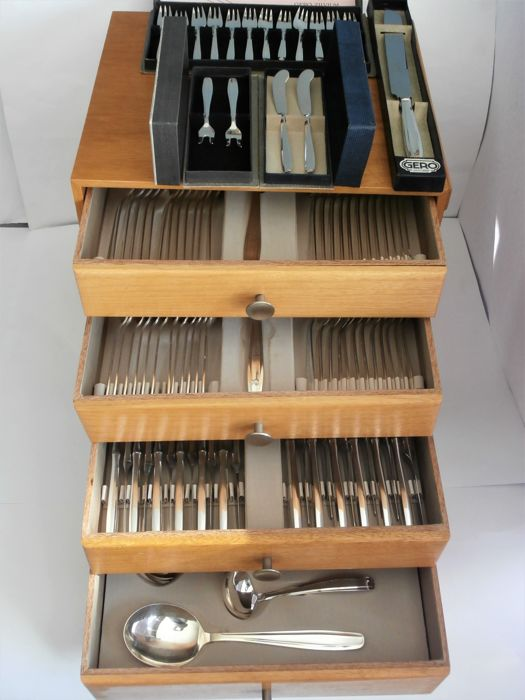 Cutlery 12-people + serving cutlery / 98-pieced in case, model Progressive 235.Gero Georg Nilsson