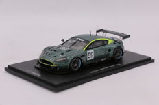 Red Line - Scale 1/43 - Aston Martin DBR9 - 2005 - Limited Edition