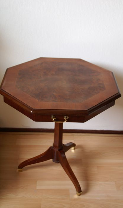 Charmant Stylish English Little Wooden Card Table