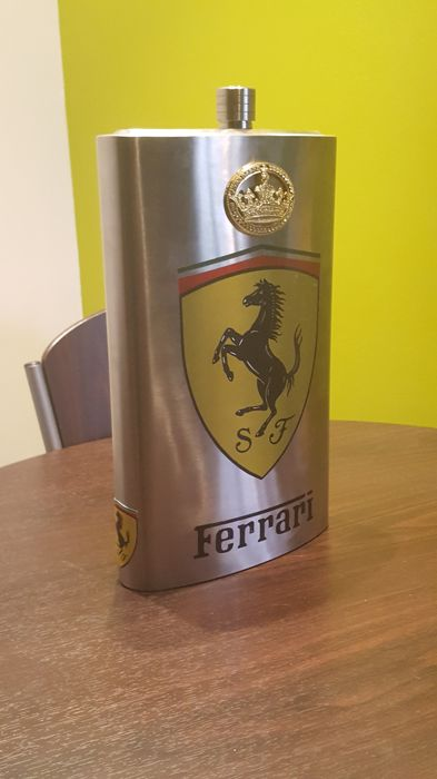",,The king is one - here is to king'' - Rare & Exclusive -""Little breast""- 5 liters/178 oz. - FERRARI ad. - Stainless steel/INOX -  Not used - Signed - Limited series."