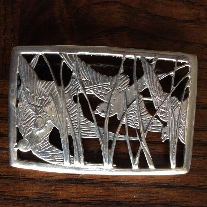 Silver brooch with 4 flying swallows - 925/1000 - 15.64 g
