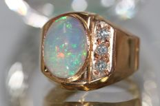 18 kt yellow gold men's ring set with natural opal 4 ct and diamonds size 66 NO RESERVE PRICE.