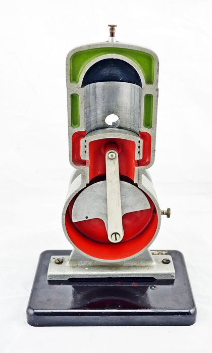 Hema - Two stroke engine cut model - Ca. 60/70 - Made in Germany (GDR)