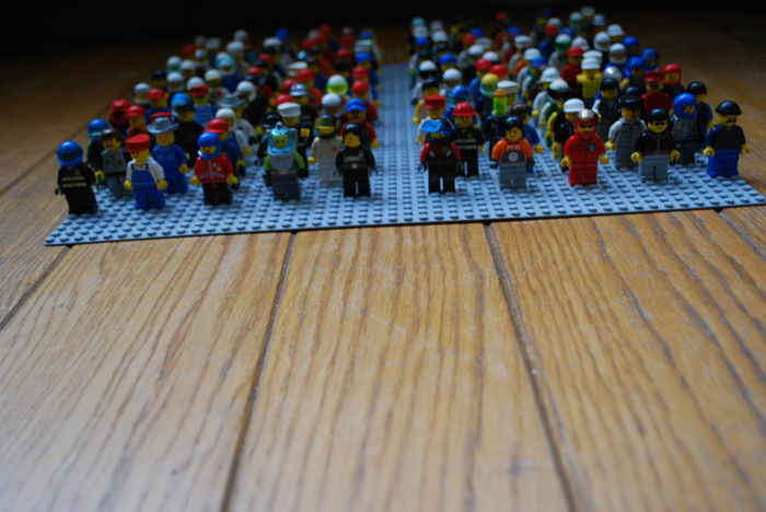 150 mini figures - various themes