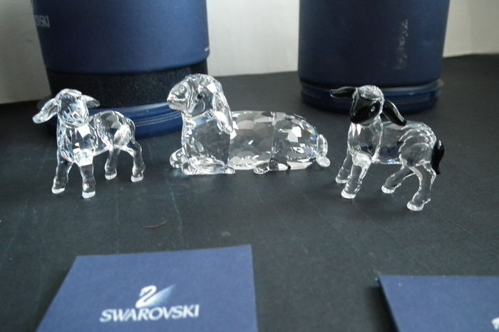 Swarovski - sheep with lamb clear and black headed lamb