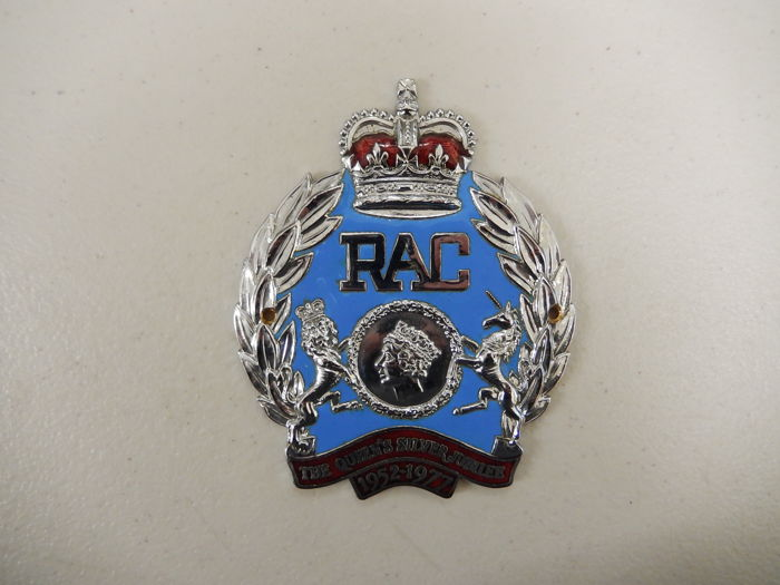 RAC The Royal Automobile Club The Queens Silver Jubilee 1952 - 1977 Enamel Car Badge Auto Emblem