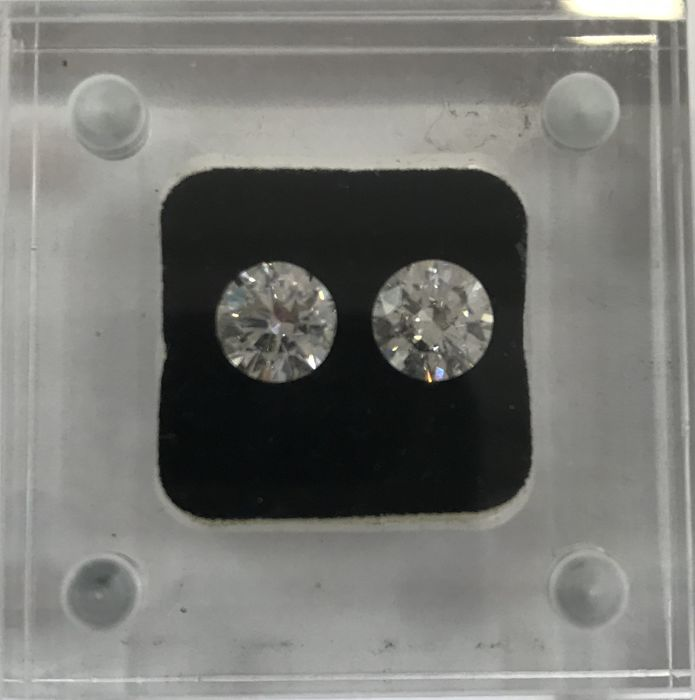 Pair of Round Brilliant Diamonds H-I SI2 total 2ct IGI