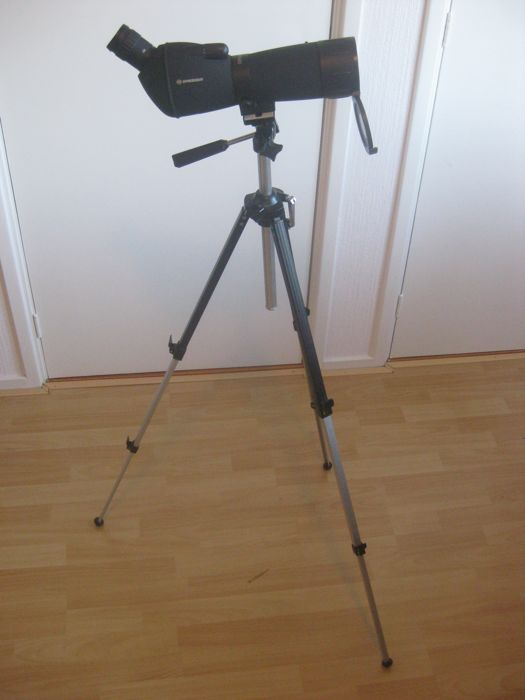 Telescoop: BRESSER Spotting Scope 20-60 x 60 with good big used Japanese tripod brand DANUBIA CT-21 and a small table tripod