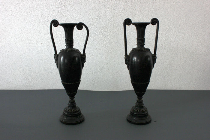 Pair of amphorae in burnished bronze - Napoleon III period - French