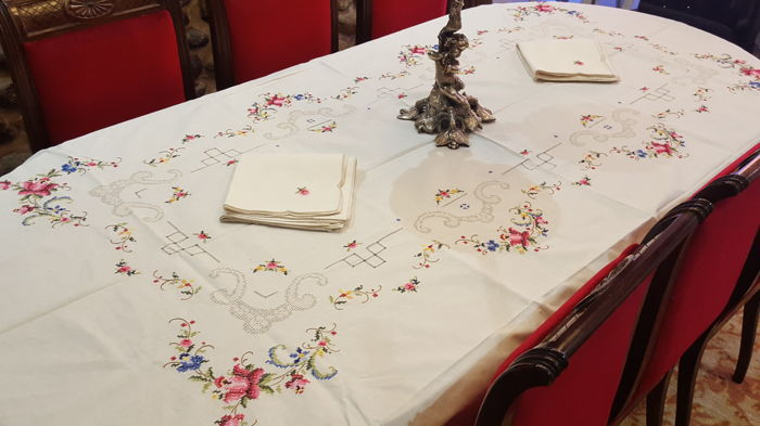 XL rectangular tablecloth embroidered by hand in cross and shadow stitch, frayed work and hemstitch - 12 napkins - 270 x 180 cm
