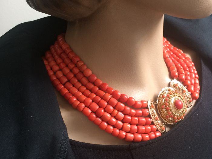 Gorgeous Heavy Red Coral Necklace, 5 strands, 100% original Valuable Red Corals, approx. 1880. Gorgeous Warm Colours.