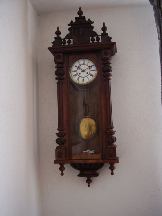 Regulator clock - period 1920
