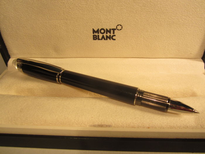 Montblanc 'Starwalker' fineliner made of precious black resin, with platinum finish - original box