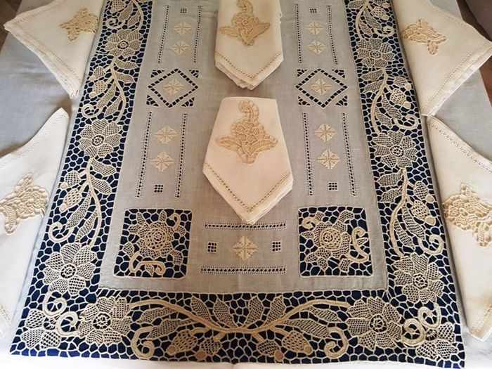 Museum-quality 100% pure linen tablecloth for 12 with entirely handmade Venice Burano embroidery