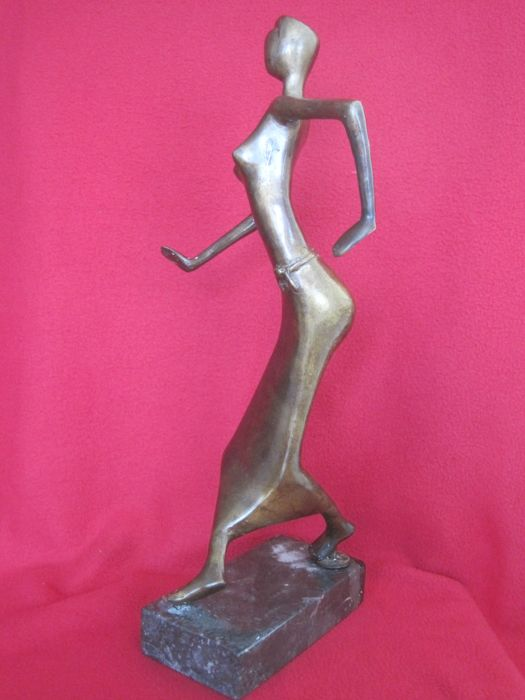 Bronze sculpture - Woman performing a modern dance - Southern Europe - Late 20th century