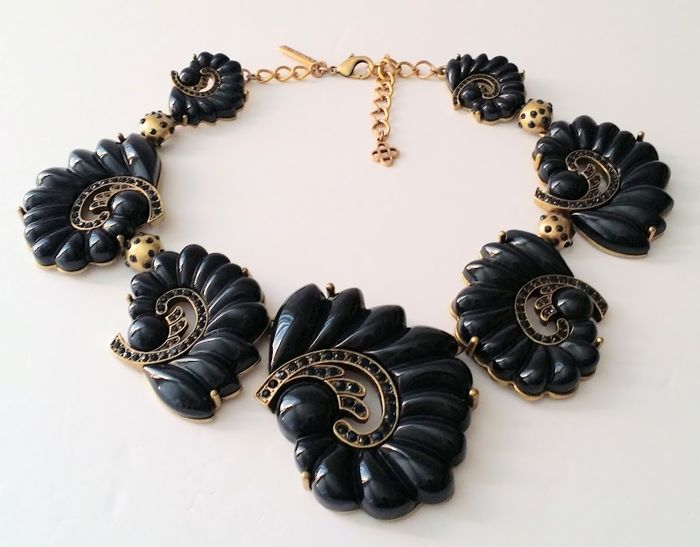 Oscar De La Renta - Navy Blue Swirl Necklace