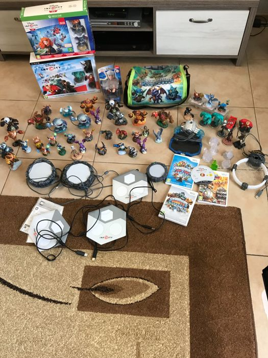 Big skylanders collection whit xboxone + Xbox360 + Wii portal and games