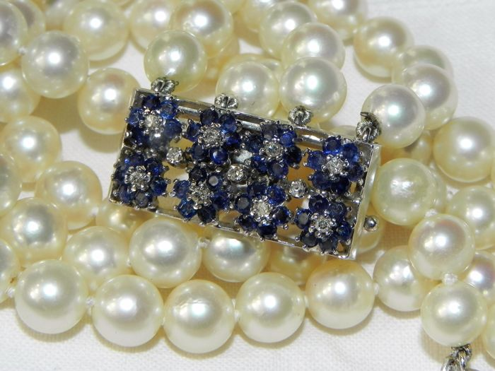 Pearl bracelet Akoya pearls approx. Diameter 6.8 mm, 11 diamonds, 48 sapphires 750/18 kt Gold
