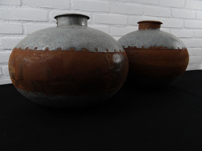 Metal water pots - 35x30 cm - 20th century