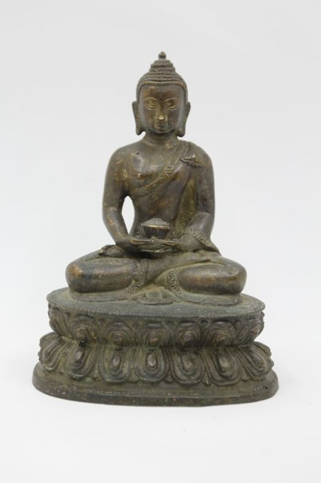 Buddha in Brown Patinated Bronze - China -  