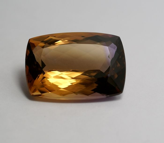 Ametrin bicoloured (violet-brownish-yellow)  - 46.51 ct