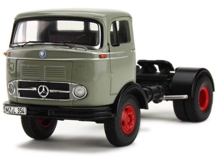 Premium Classixxs - 1:43 - Mercedes-Benz LPS 323 - Limited Edition or 500 pcs.
