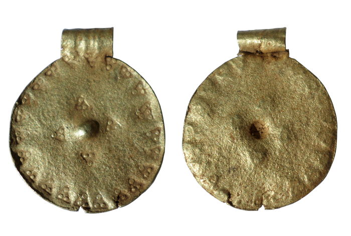 Early medieval Gold Viking disc pendant stamped triangle decoration - 30 x 25 mm