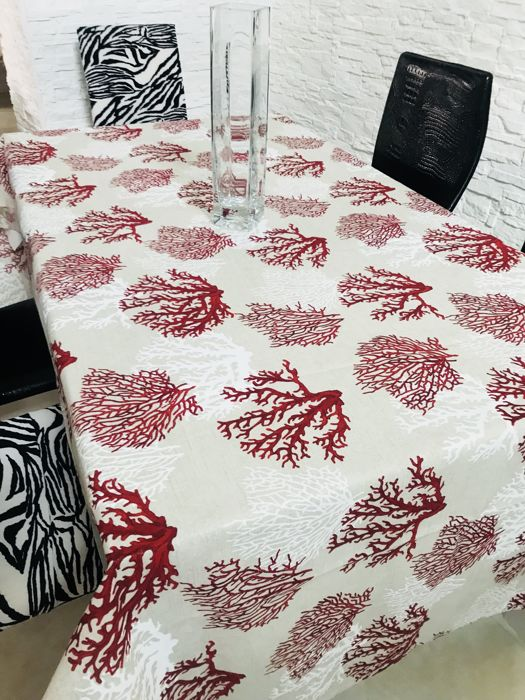Fancy cotton tablecloth with coral motif 269 x 133 cm