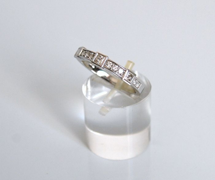 18 kt white gold ring with 0.47 ct diamonds, size 15