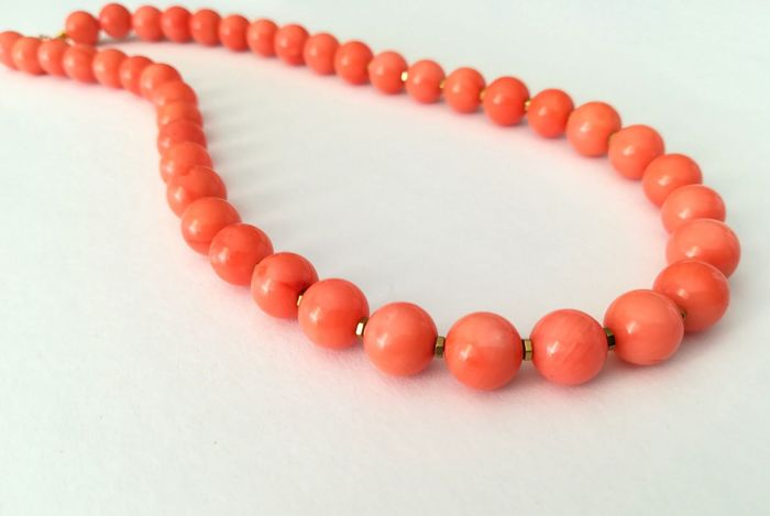 Pink Coral Necklace with 19.2 kt gold clasp
