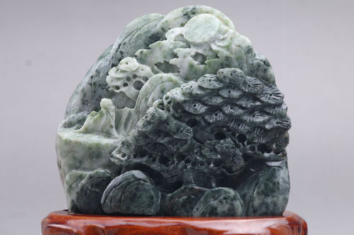 A saussurite carving - Hand Carved + Stand - 10x13cm - 630g - China - 21st century