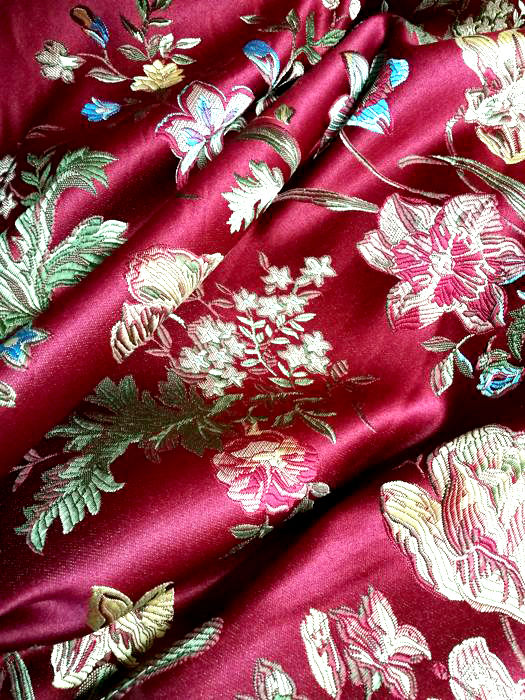 San Leucio - 5.00 m x 2.80 m of Damask lampas - famous worldwide as valuable fabric  kg 6