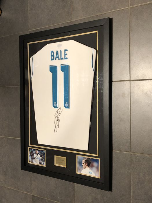 Gareth Bale signed framed 2017-2018 Real Madrid home shirt with COA ...