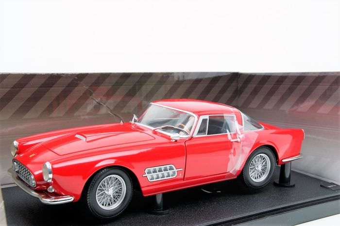KK-Scale - Schaal 1/18 - Ferrari 410 SuperAmerica 1962 - Red