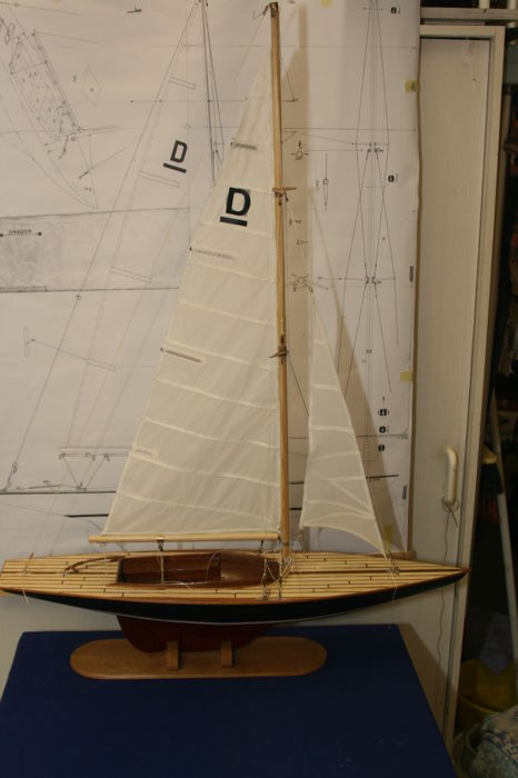 Model zeilboot type Draak