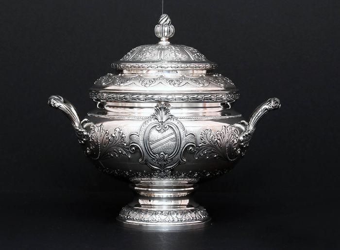 Important Repousse Silver Soup Tureen, Italy, mid. XXth c