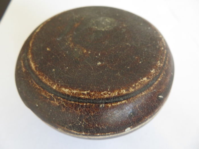 A rare Chinese brown glazed stoneware medicine/cosmetic box  - 91 mm x 51 mm