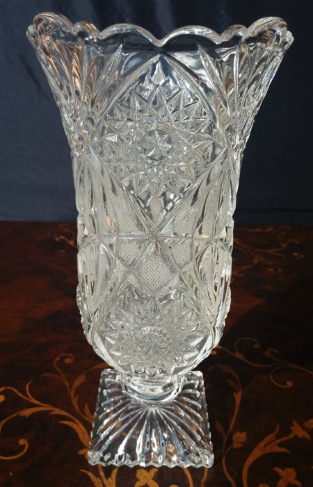 Antique vase made of molato, chiselled and engraved crystal