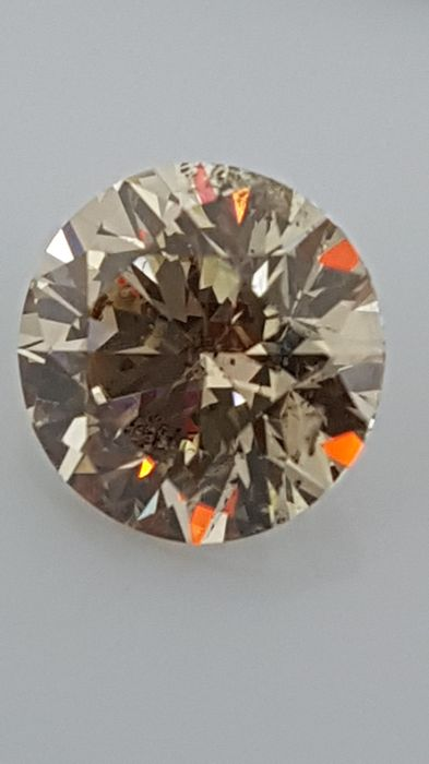 1.65 ct - Round Brilliant - Brown - VS2