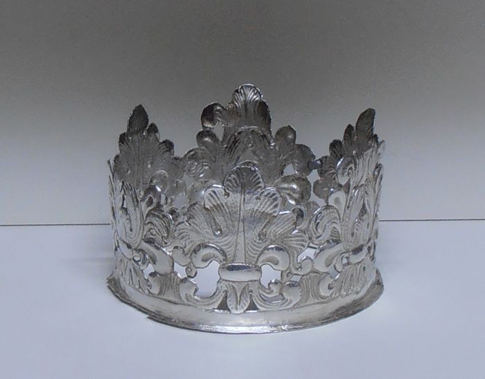 Crown of a silver candelabrum - Florence - Italy - circa 1685
