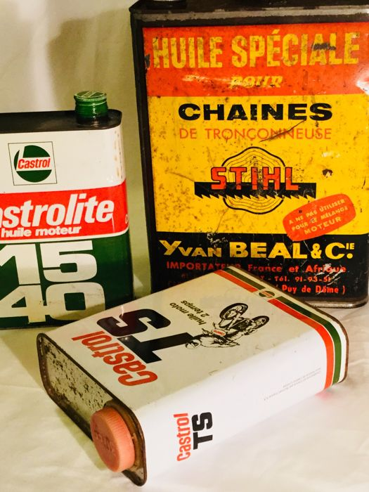 Two beautiful CASTROL and one large STIHL bottle __ 3 tin bottles __  1970 -1980