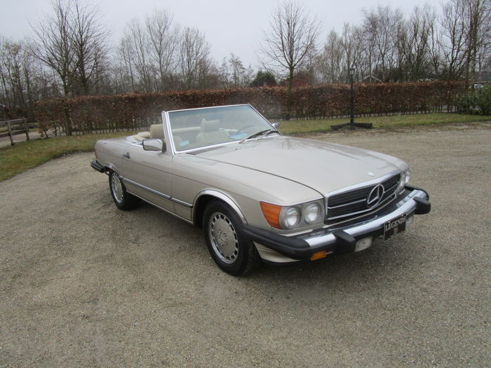 Mercedes-Benz - 560 sl - 1988