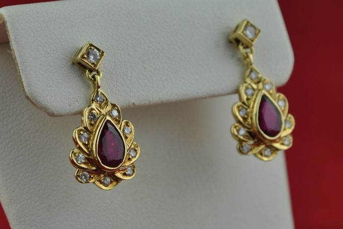Exclusive Earrings with superb Burmese color Pear-drop Rubies (+/-0.40ct) & Diamonds tot. +/-0.35ct set on 18k Yellow Gold - Size 20mm x 10mm
