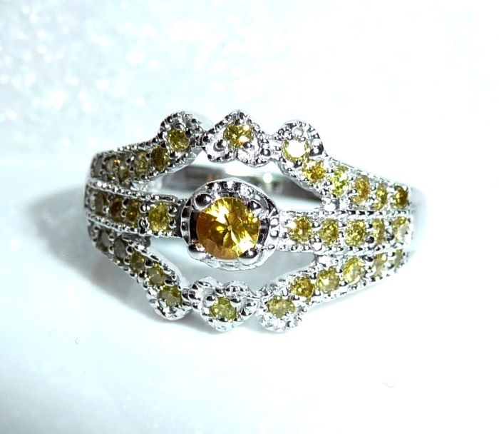 Ring 14 kt / 585 white gold 0.50 ct diamonds in yellow + 0.20 ct yellow sapphire ring size 52 like new