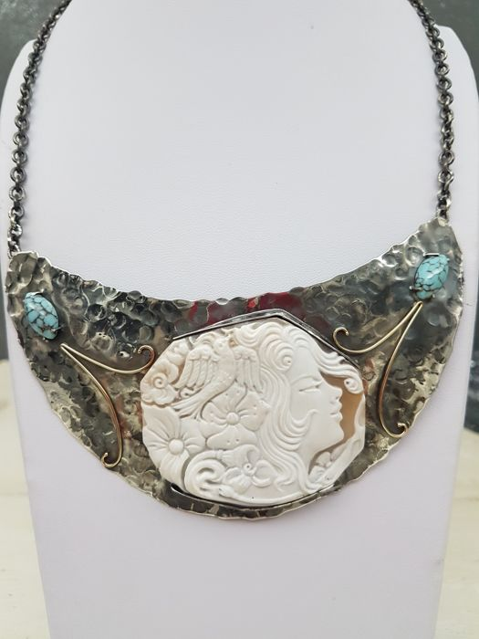Unique hand-crafted necklace in aged silver, 18 kt yellow gold, cameo from Torre del Greco and turquoise, made in Italy