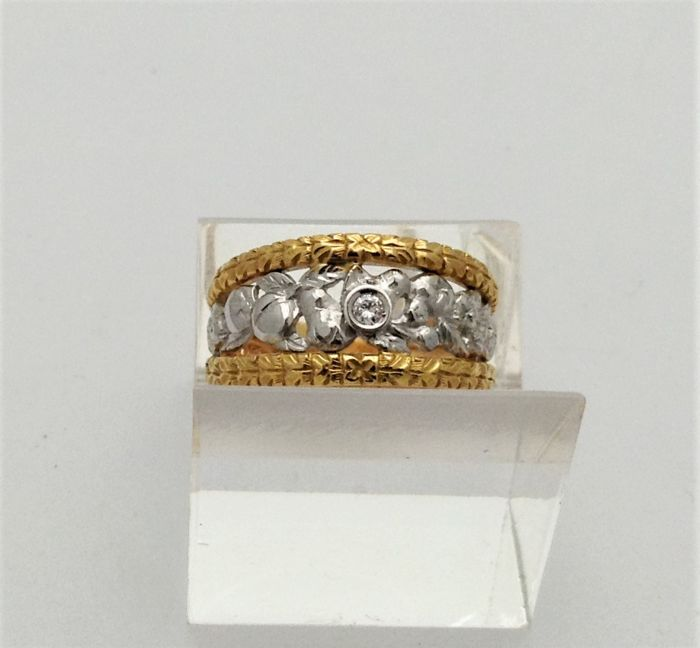 Metalwork band ring in yellow and white gold - 0.25 ct diamond - Handmade in Italy