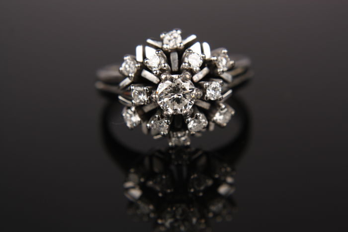 Women's entourage ring with brilliant cut diamonds - Ring size 16.75